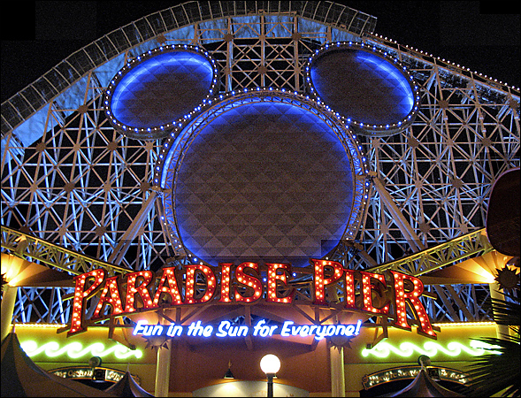 File:Paradise Pier.jpg