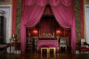 Ludwigsburg-schloss-queens-bedroom