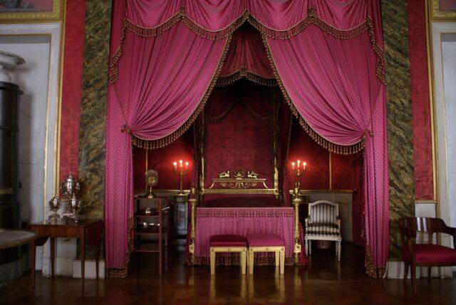 File:Ludwigsburg-schloss-queens-bedroom.jpg