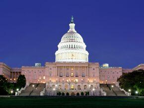 Capitol-building-at-night-washington-dc