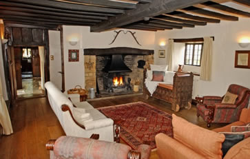File:Cotswolds-manor-cotswolds-england-sitting-room.jpg