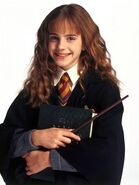 2010-07-14-13-12-50-1-first-image-of-emma-watson-in-harry-potter
