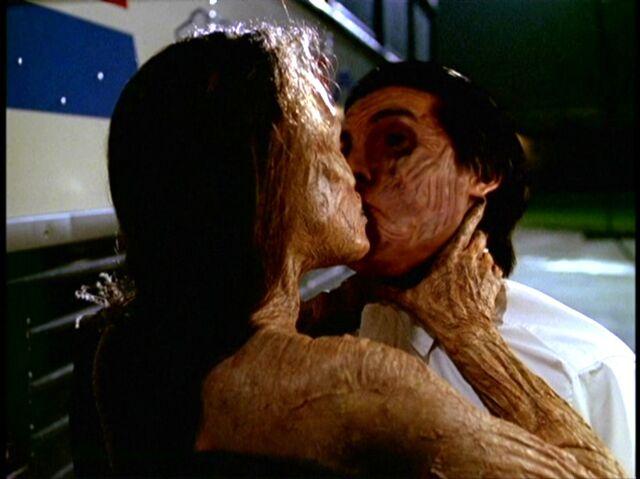 File:Inca Mummy Kiss.jpg