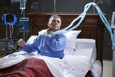 File:Heroes Arthur Petrelli healing.jpg