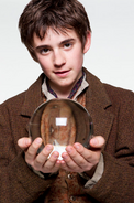 Peter Holding Fludds Transport Orb