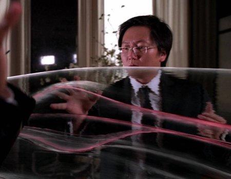 File:Powers Hiro plays with Daphne's wake.jpg