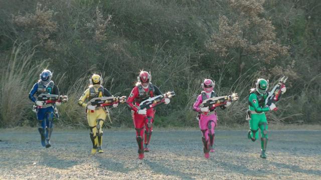 File:Dekaranger (Super Hero Taisen).png