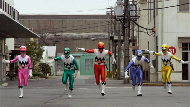 File:Episode 11 - Gingaman Change.jpg