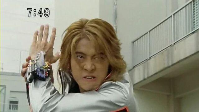 File:SentaiTransformationsbatchB038.jpg