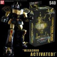Power-Morphicon-2016-Exclusive-Black-Gold-Legacy-Megazord-6-Inch
