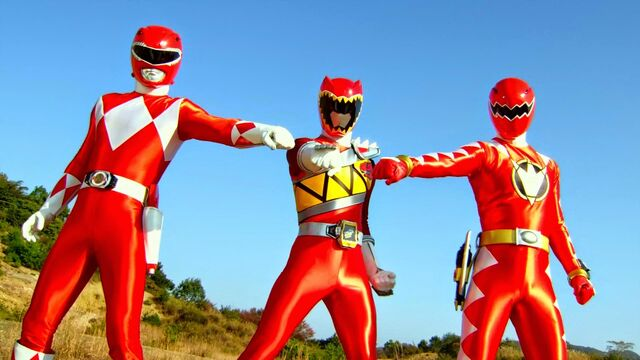 File:ZSK vs. TSG - Red Tyranno Trio.jpg