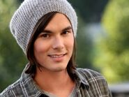 Tyler-blackburn caleb-rivers-450x337