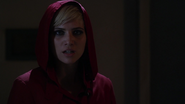 SaraHarveyRedCoat6x10