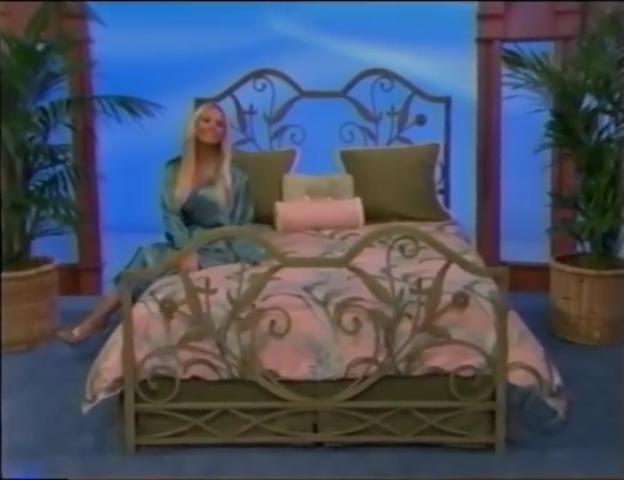 File:Gabrielle Tuite in Satin Sleepwear 05-02-2008 Pic-15.jpg