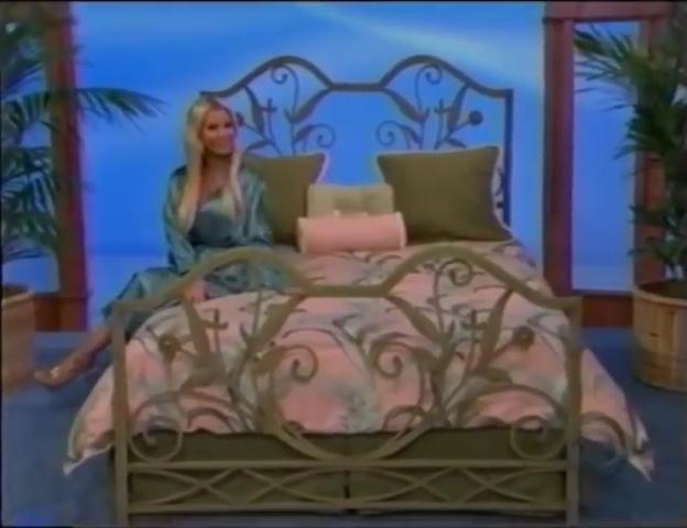 File:Gabrielle Tuite in Satin Sleepwear 05-02-2008 Pic-11.jpg