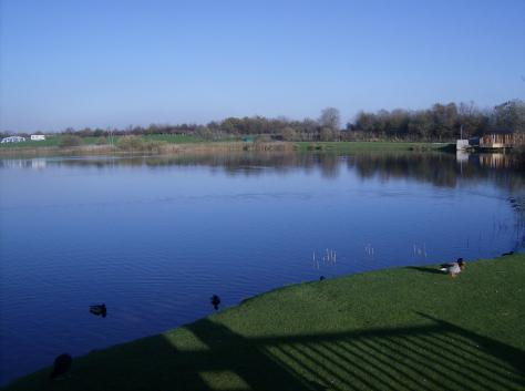 File:Lakeside park.jpg
