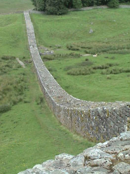 File:Hadrian's-wall-2-1-.jpg
