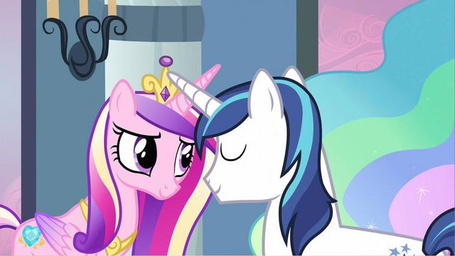 File:Princess Cadance & Shining Armor affectionate S2E25.png