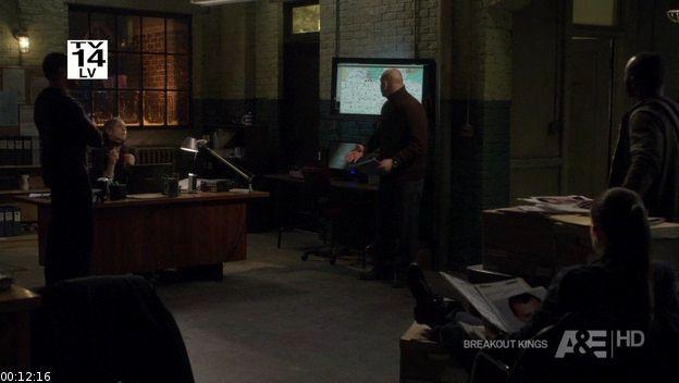 File:Breakout Kings S01E03 The Bag Man HDTV XviD-FQM screenshot 1.jpg