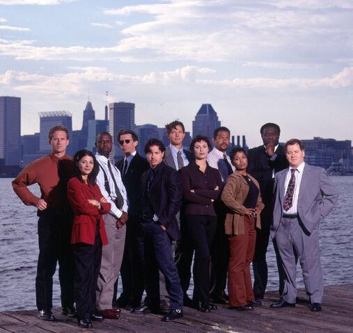 File:Homicide cast season 6.jpg