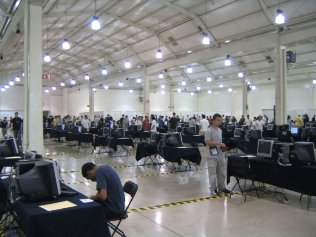 File:IOI 2006 competition room.png