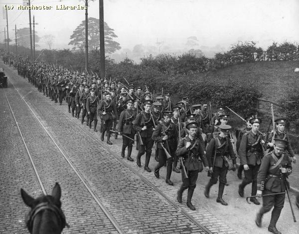 File:WW1 soldiers Manchester.jpg