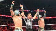 November 2, 2015 Monday Night RAW.24
