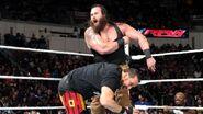 December 7, 2015 Monday Night RAW.43