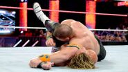 October 12, 2015 Monday Night RAW.18
