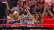 5-11-09 Raw 10