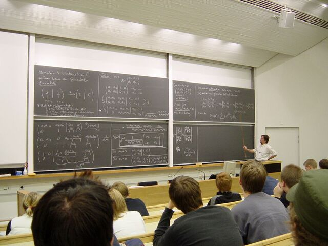 File:Math lecture at TKK.JPG