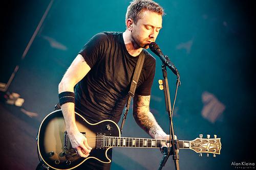 File:Tim McIlrath - Rise Against.jpg