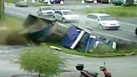 Worst 1997-2011 Car Crashes from Around the World (Compilation)-0