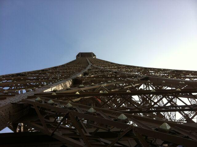 File:IPhone 15-Mar-12 Paris 146.JPG