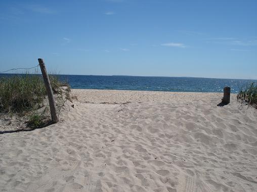File:Beachs.jpg