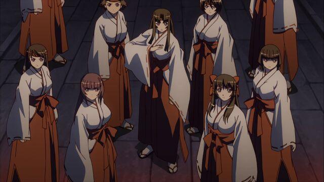 File:-Yousei-raws- Queen`s Blade - Rurou no Senshi 02 -BDrip 1920x1080 x264 FLAC--(021316)18-14-59-.JPG
