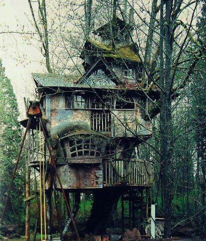 File:Ramshackle-TreeHouse.jpg