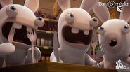 4454632-les-lapins-cretin-au-super-marche-diapo-1