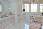 Lisabathroom-490x333