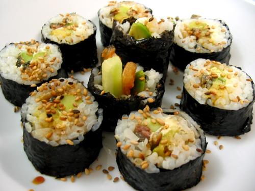 File:Maki sushi.jpg
