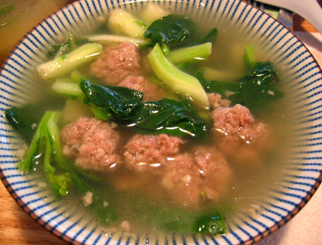 File:Meatball soup.jpg