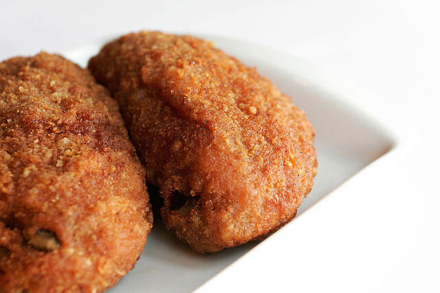 File:800px-Fast food chicken.jpg