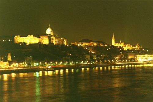 File:Hungaria.jpg