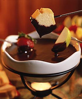 File:Chocolate-fondue.jpg