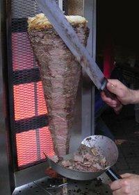 200px-Döner kebab slicing