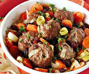 Albondigas con pasas de uva (Raisin Meatballs)