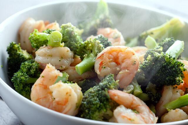 File:Ginger-shrimp-and-broccoli-stir-fry.jpeg