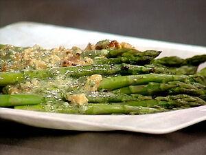Ee2d14 asparagus salad lg