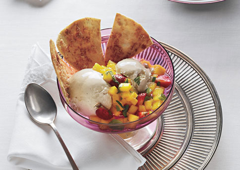 File:Mare coconut piloncillo ice cream with coconut tortilla chips and fruit salsa h.jpg
