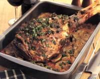 File:Lammekølle på grønsager.jpg